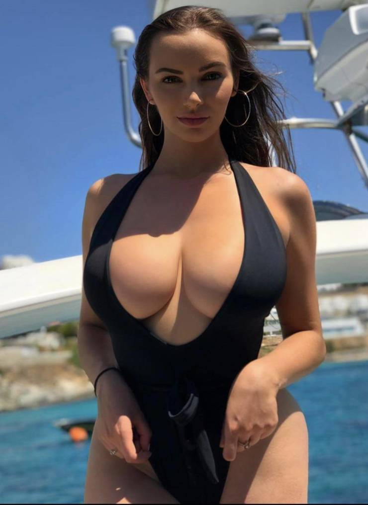 These Big Breasts Will Not Be Ignored!