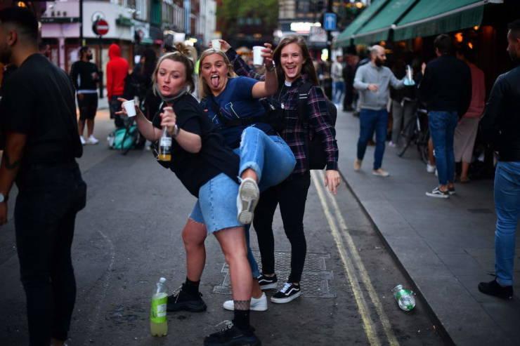 Drunk Weekend In Great Britain