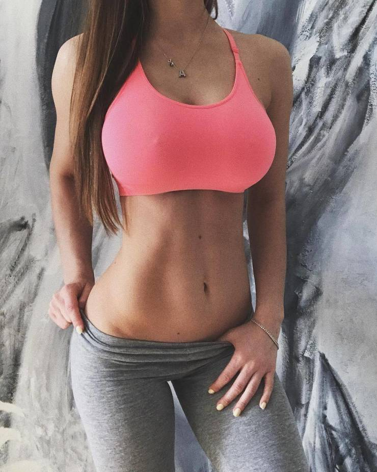 Fit Girls That Are Almost Too Hot to Handle