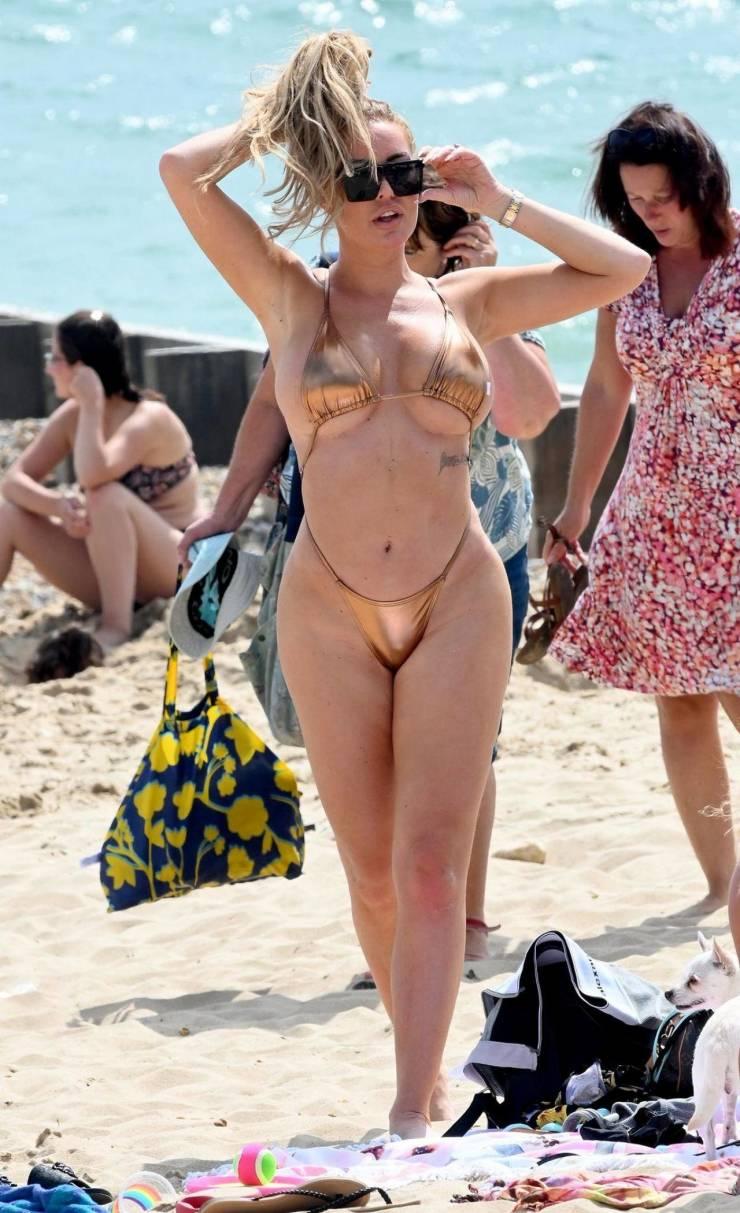Aisleyne Horgan-Wallace And Her Beach Weekend