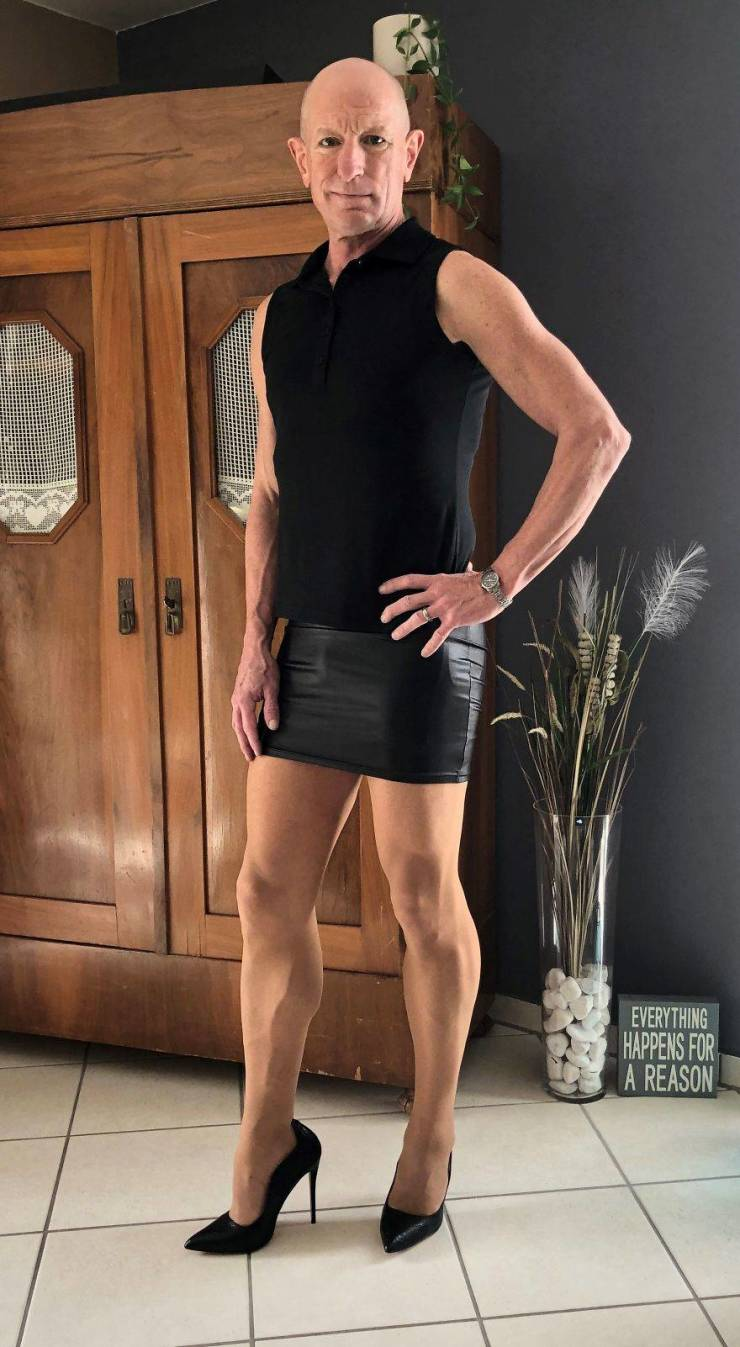 """Guy Tries To """"Challenge Gender Stereotypes"""" By Wearing Skirts And Heels"""