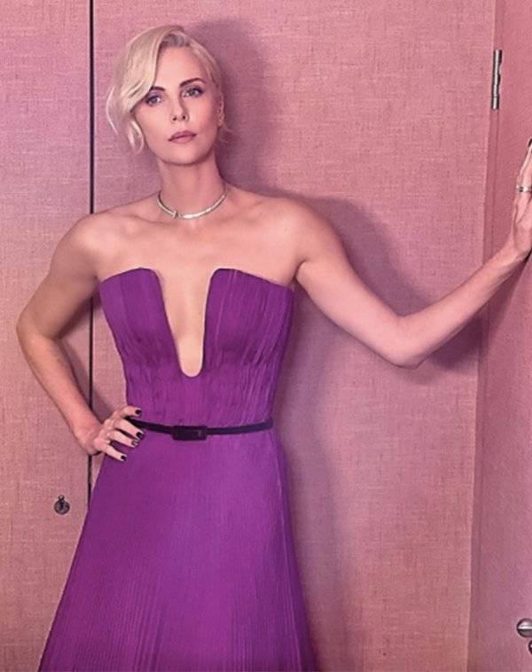 Sexiest Celebrity Photos Of 2020!