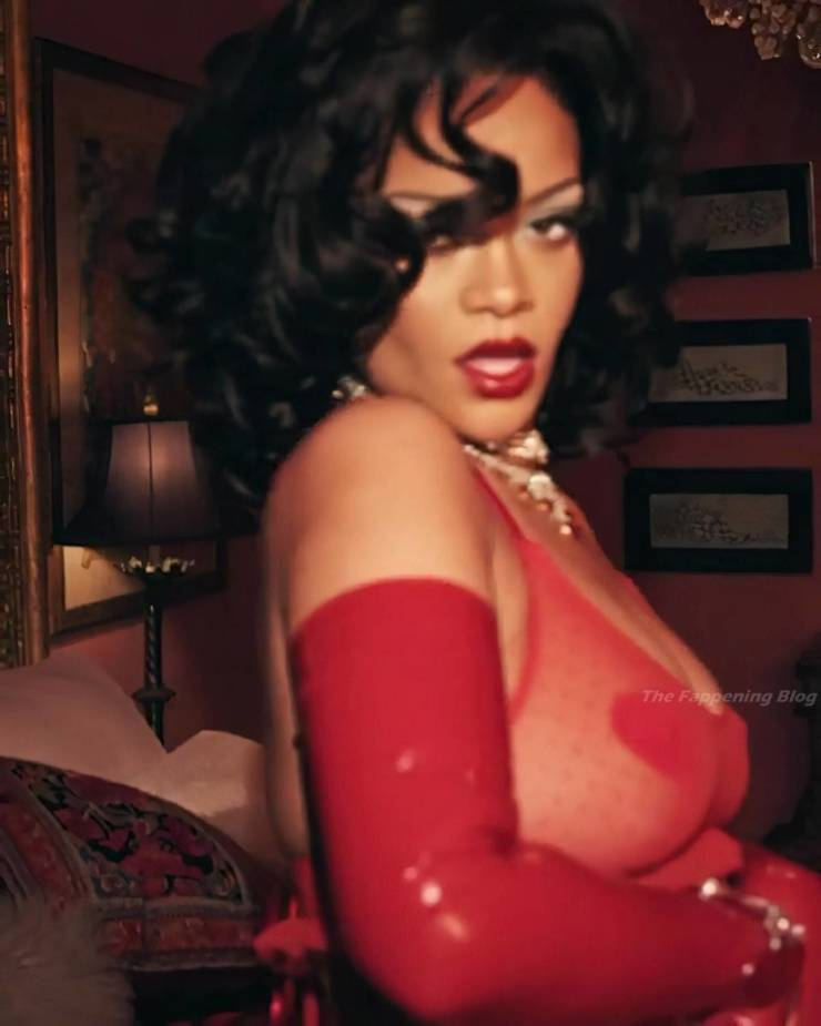 Rihanna In Sexy Lingerie