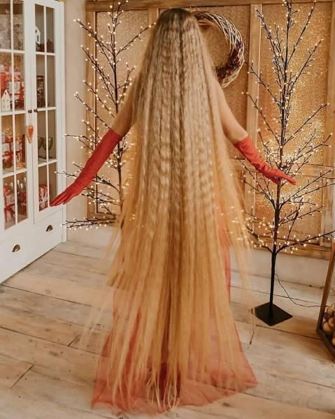 Meet Ukrainian Rapunzel, Whose Hair Is 1.8 Meter Long