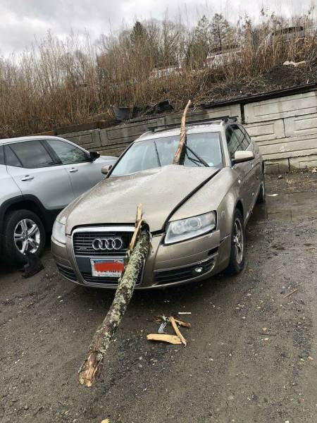 Car Mechanics Deal With All Sorts Of Crazy Stuff…