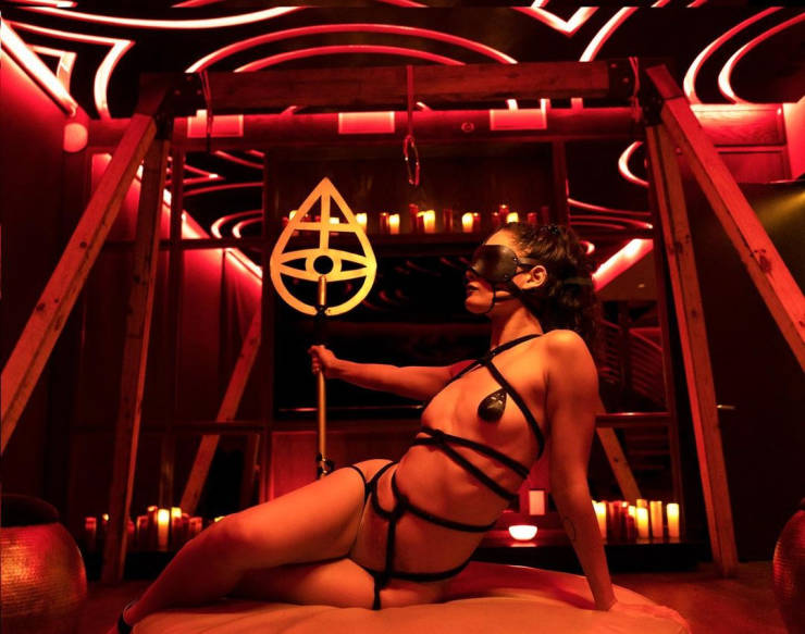 Elite Sex Club Reopens After Several Months Of Quarantine, Ready For New Orgies
