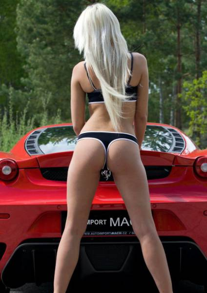 Enzo Ferrari's Quotes Go Best With Steaming Hot Girls!