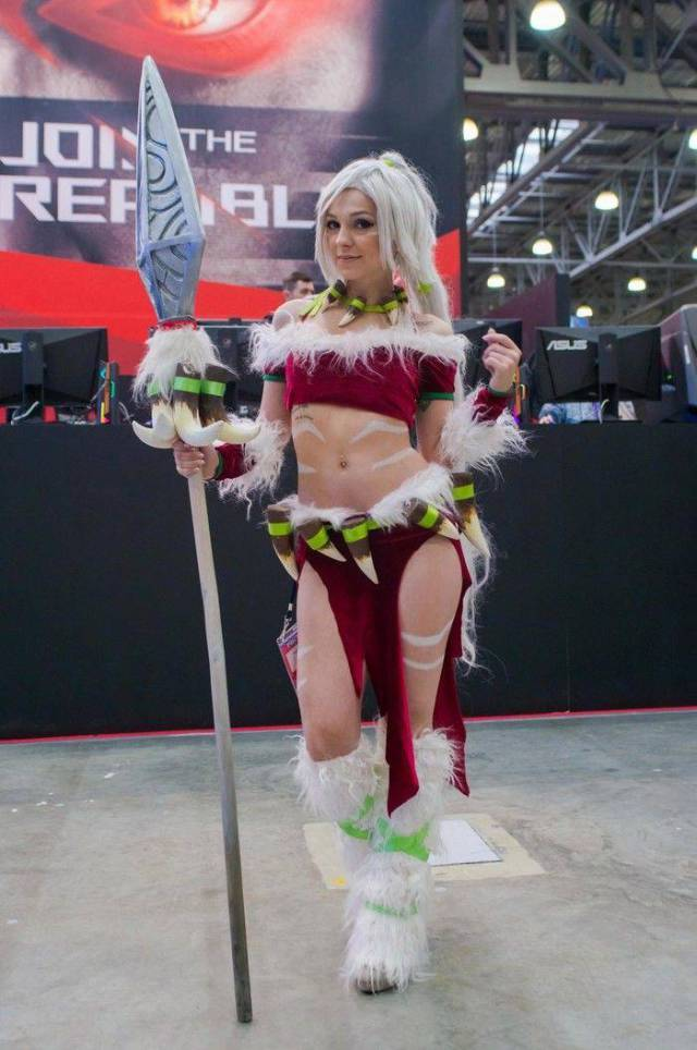 Russian Gaming Festival Has Some Pretty Hot Gamer Girls