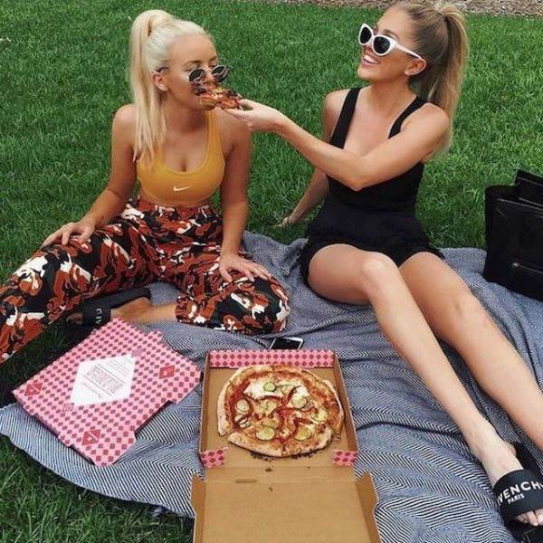 Hot Girls With Hot Pizzas