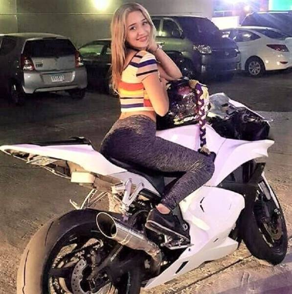 These Girls Look So Good On Their Bikes