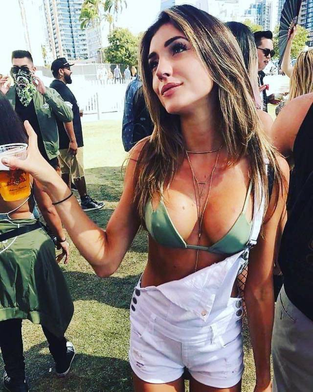 Two Things Men Like Most: Tits And Beer!
