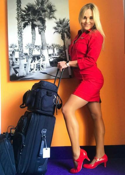 Pretty Flight Attendants Show How They Look Like When Not At Work