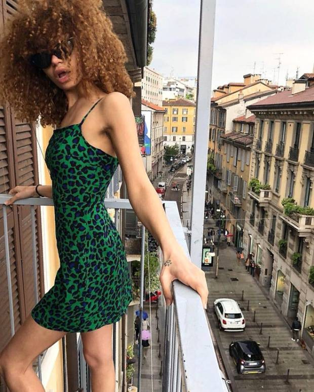 Model Tries To Sell Her Virginity For €2.4 Million