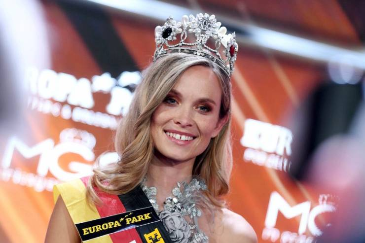"""The New """"Miss Germany"""" Is A…Policewoman!"""