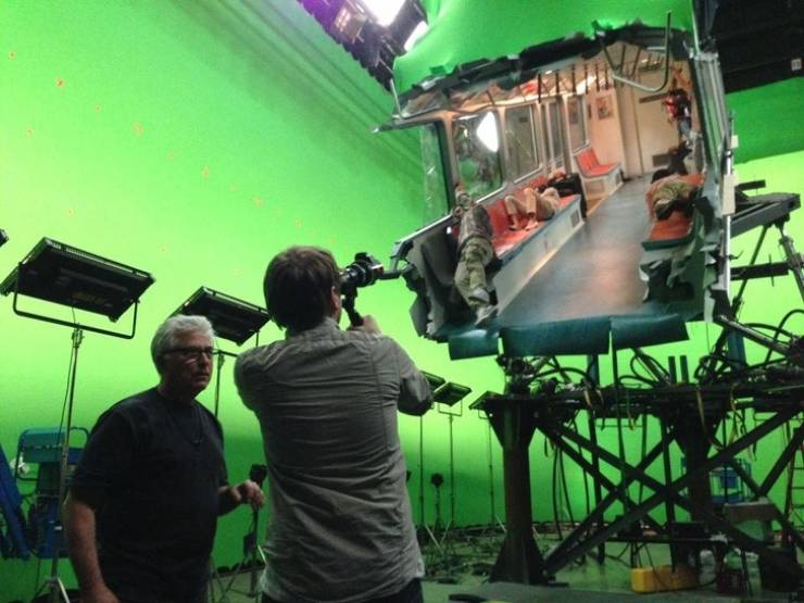 Behind-The-Scenes Shots Show The Secrets Of Hollywood Hits