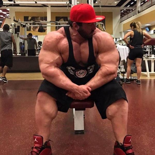 This 160-Kg Bodybuilder Became Obsessed With Working Out And Still Can't Stop