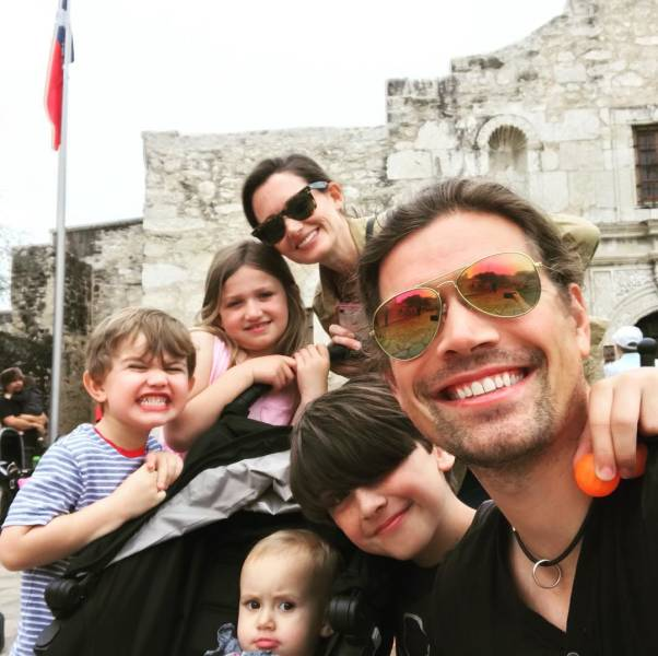 Celebs Who Have Way Too Many Kids