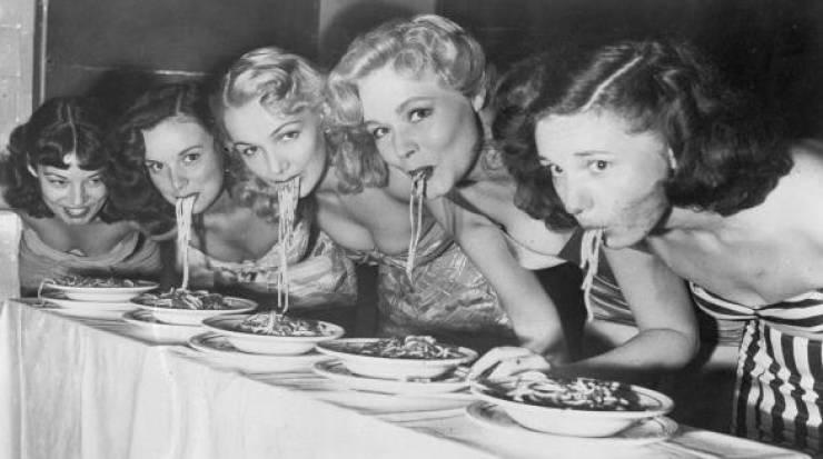 Eccentric Girls Of The Last Century