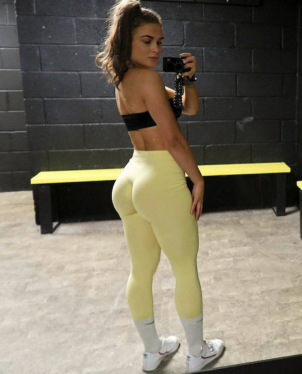 Girls In Yoga Pants Are Here To Spice Up Your Weekend