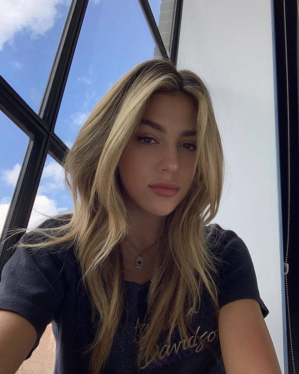 Silvester Stallone's Daughter, Sistine, Can Knock You Out Just As Well As Her Father, But In A Different Way