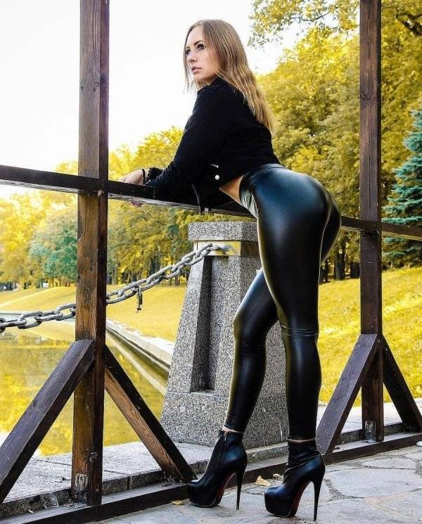 Latex And Leather Look Pretty Hot Together!