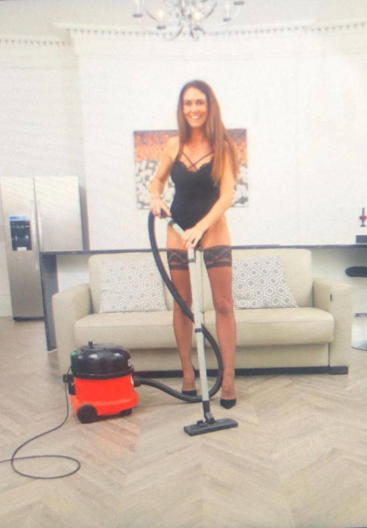Business Woman Opens A Naked Cleaning Company, Works Herself