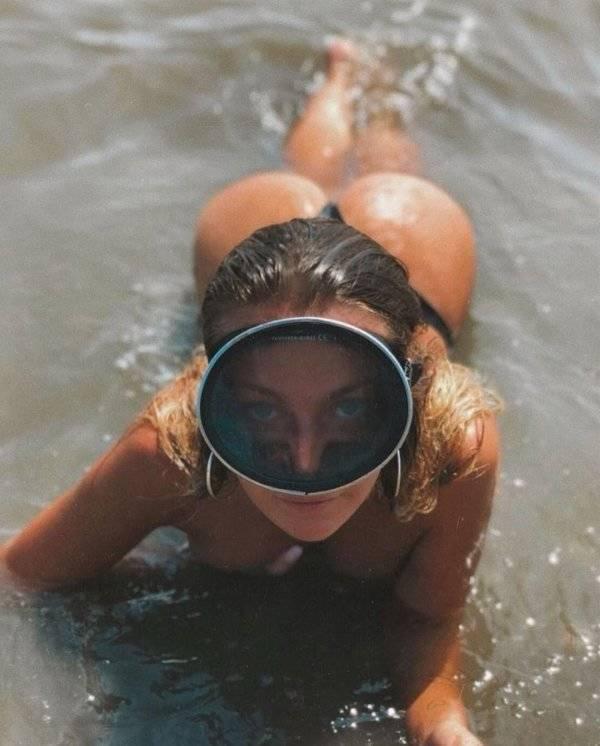Caution! Very Wet Girls!