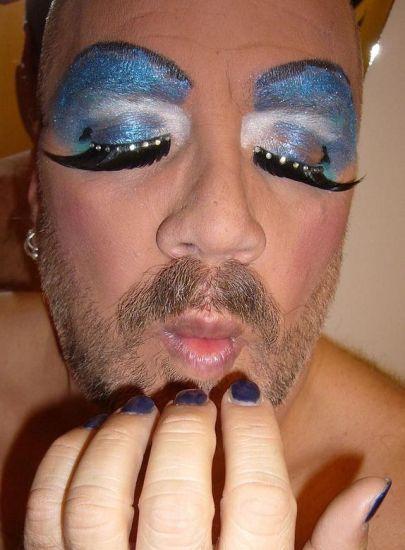 Transvestites. The hidden side of life (36 pics)