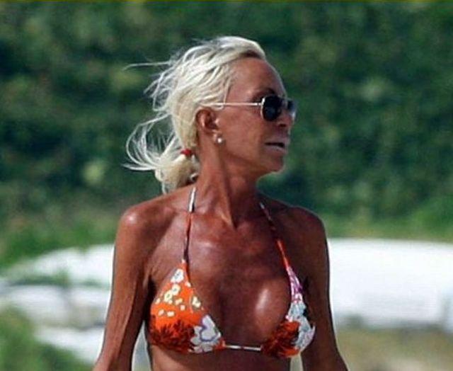 Donatella Versace on the French Riviera (5 pics)