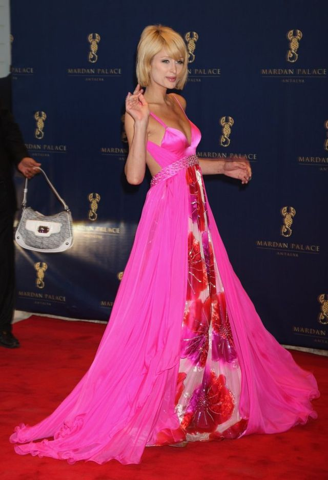 Paris Hilton at Mardan Palace Launch (7 pics)
