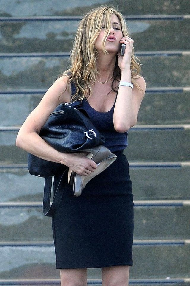 "Jennifer Aniston shooting scenes for her new movie ""Bounty Hunter"" (7 pics)"