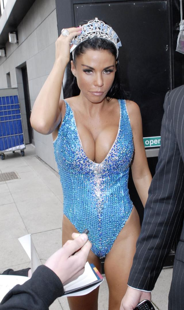 The most desirable woman of England – Katie Price (9 pics)