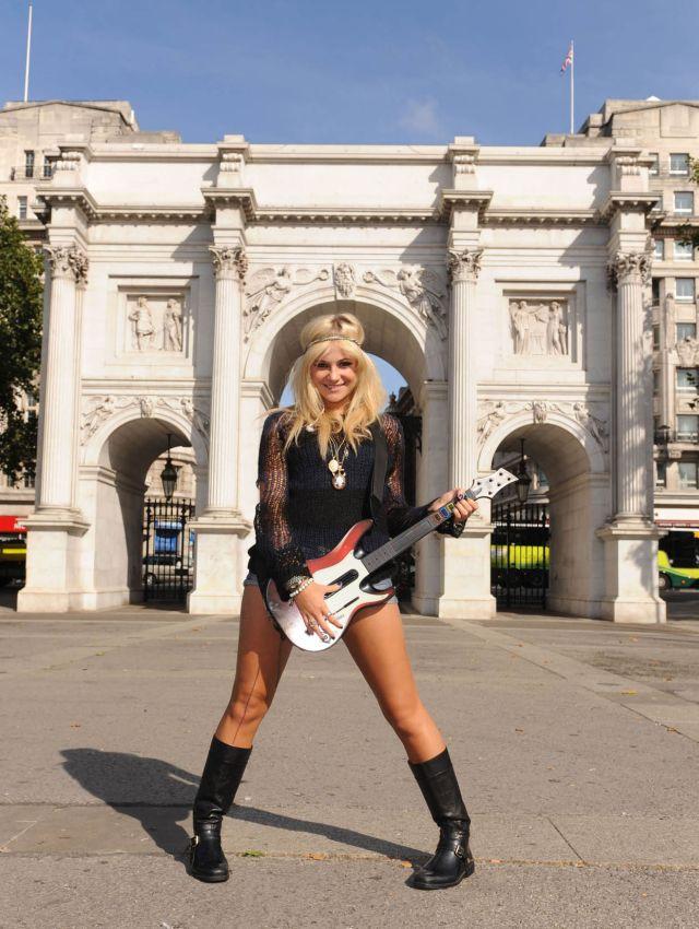 Pixie Lott promoting Guitar Hero 5 (9 pics)