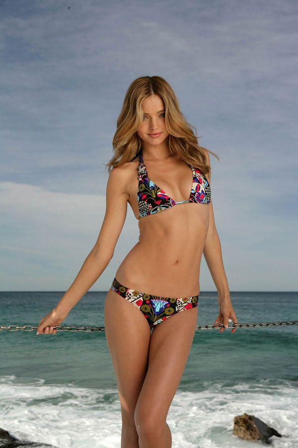Miranda Kerr in the bikini of the day (9 pics)