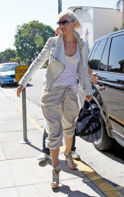 Gwen Stefani arrived at a studio in LA (8 pics)