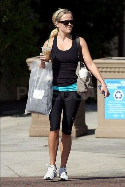 Reese Witherspoon after a workout (5 pics)