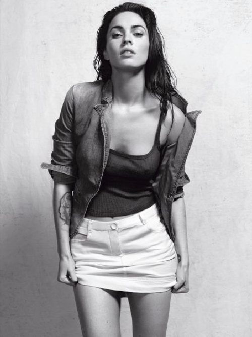 Megan Fox Lingerie Pictures. Too Sexy (10 pics)