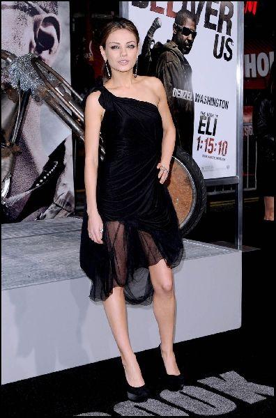 Charming and Cute Mila Kunis (8 pics)