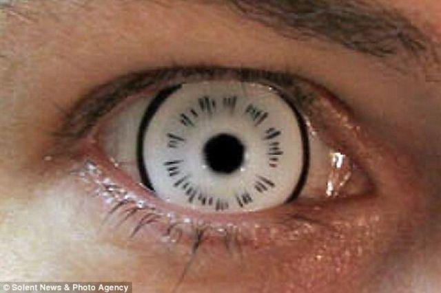 Freaky Contact Lenses (7 pics)