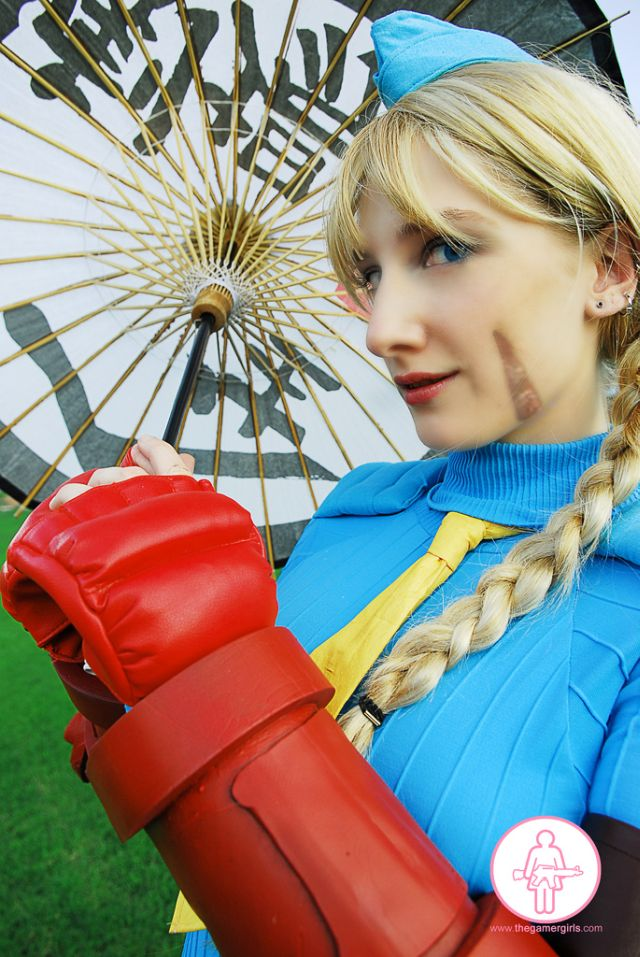 Beautiful Street Fighter Costumes (45 pics)