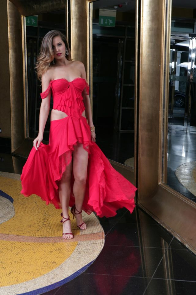 Petra Nemcova, Very Beautiful and Sexy Lady in Red (17 pics)