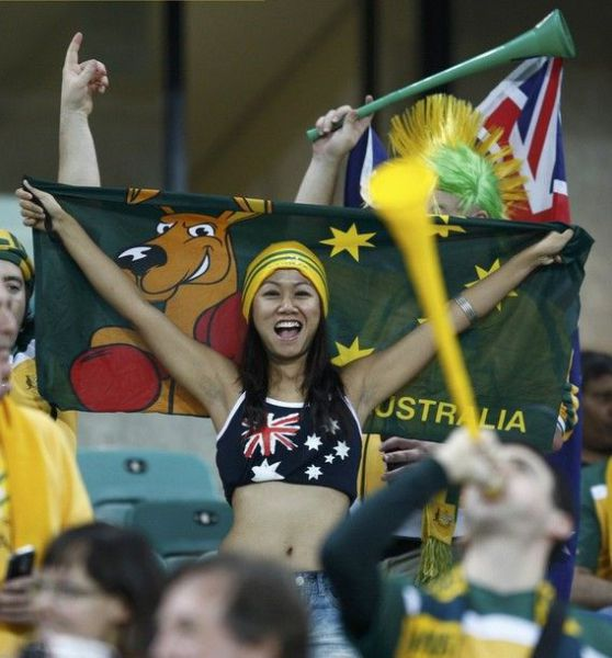 Female World Cup Fans (74 pics)