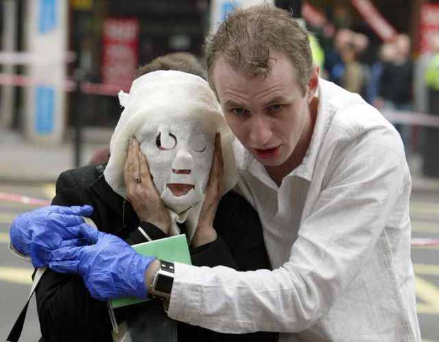 Incredible Healing after a Bomb Explosion (15 pics)