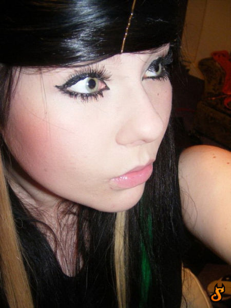New Selection with Emo Girls (35 pics)