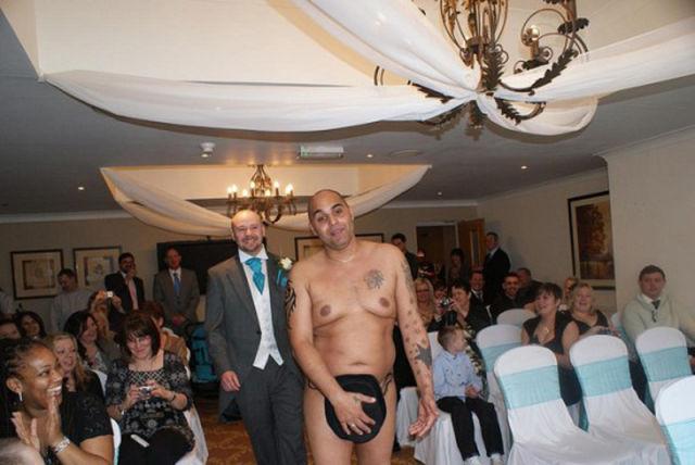 Naked Bride and Groom Not Ashamed