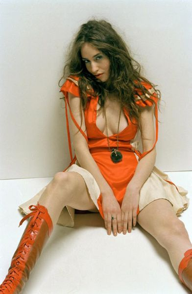 Eye on Stars: Elizabeth Jagger Poses Nude For Playboy Magazine And Other Hollywood News
