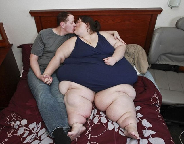 Supersized Woman Meets Her Significant Other