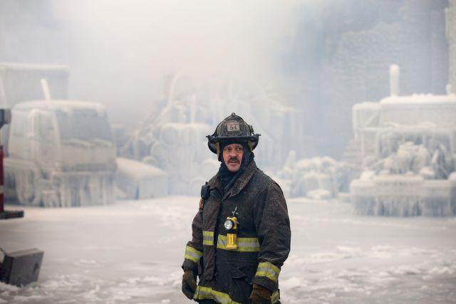 Stunning Photos of Frozen Chicago Fire