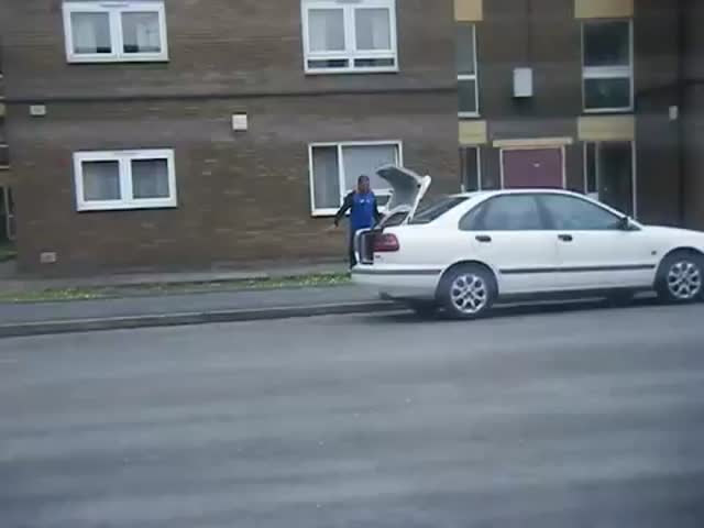 Extreme Pizza Delivery  (VIDEO)