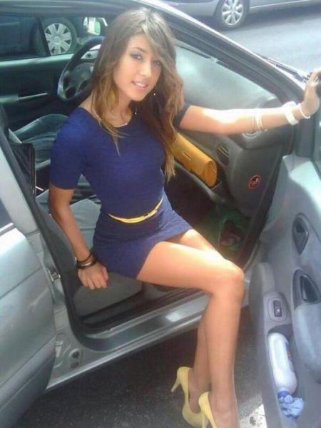 Tight Dresses Make These Girls Even Hotter